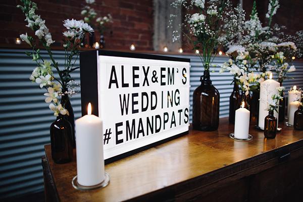 Светлечки табли - light box - тренд за свадбите во 2019