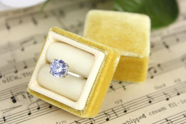 кутија за прстен